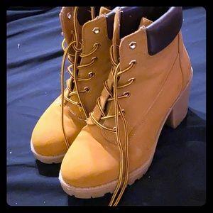 timberland style heeled boots